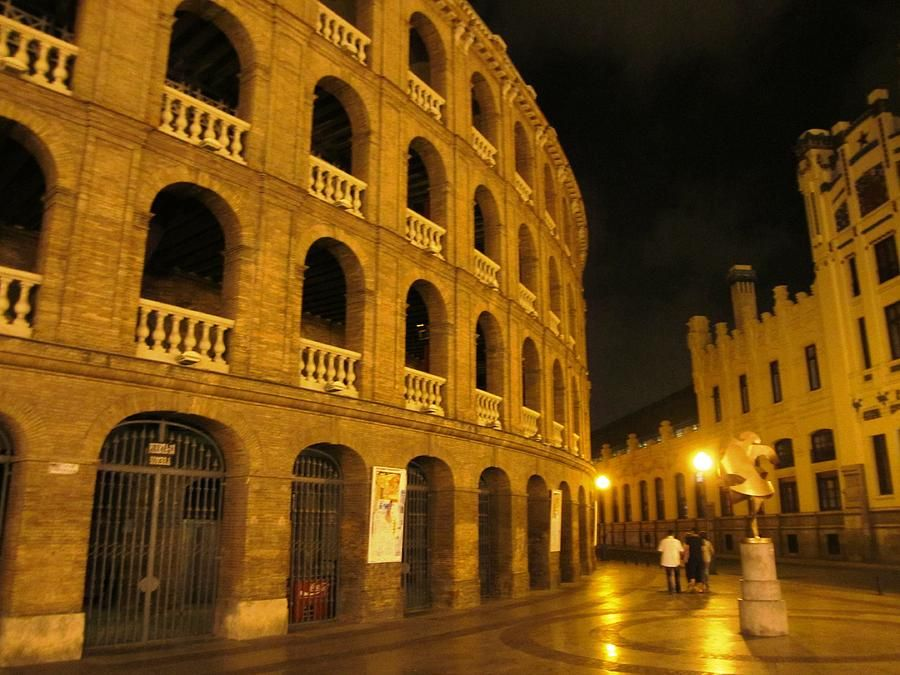 romantic-valencia-side-street-lights-at-night-spain-john-a-shiron.jpg (900×675)