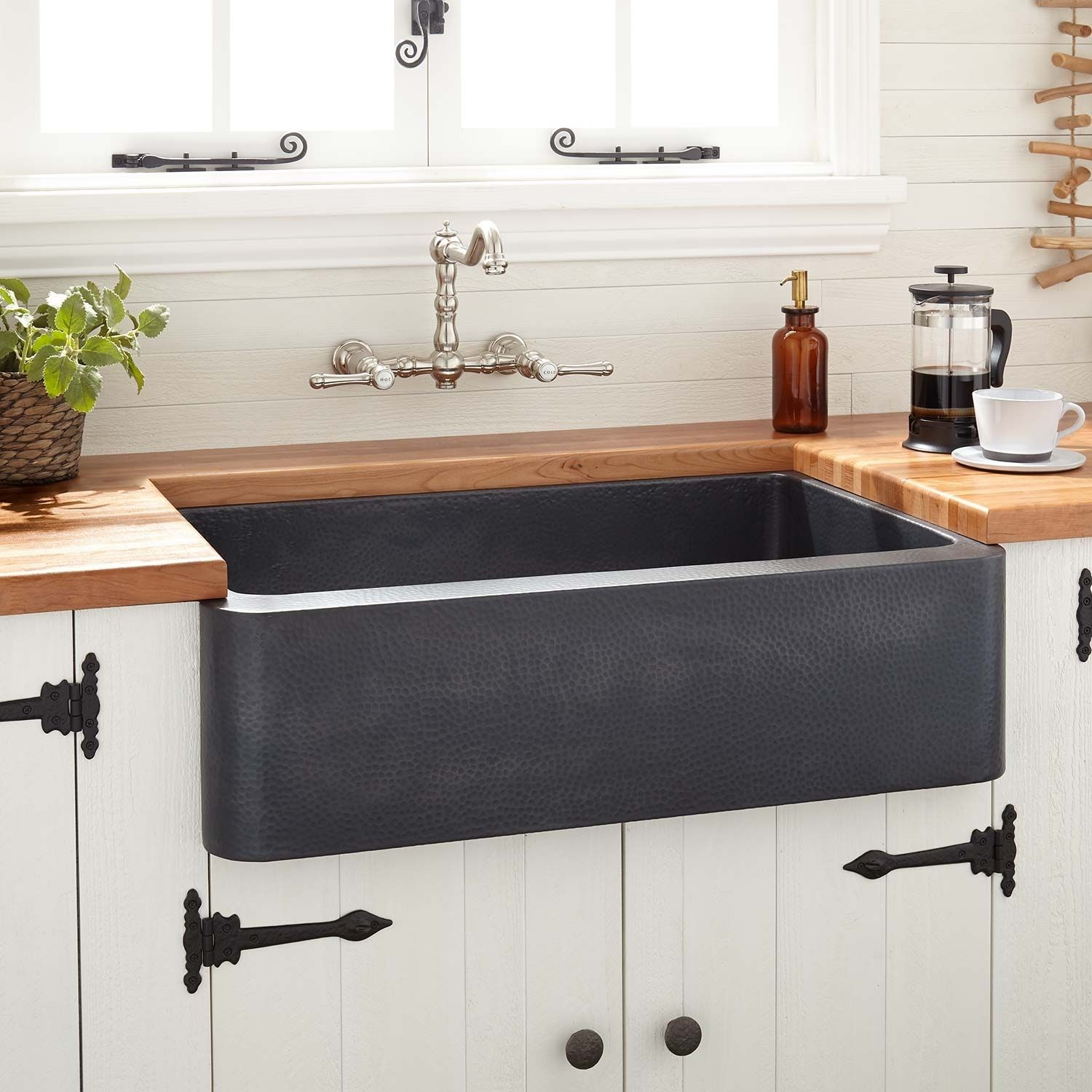 "30"" Kembla Copper Farmhouse Sink Black Farmhouse Sinks"