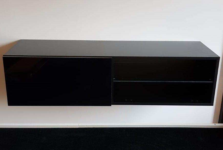 Modern Zwevend Tv Meubel Lilly 120 Cm Breed Uitgevoerd In De