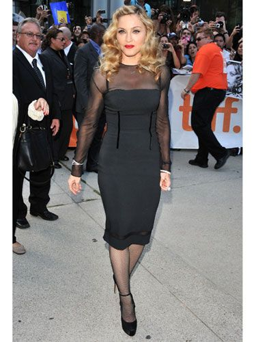 83bb509d63de0 14 Stunning Celebs Over 50 Madonna Looks, Madonna 80s, Divergent Fashion,  Over 50