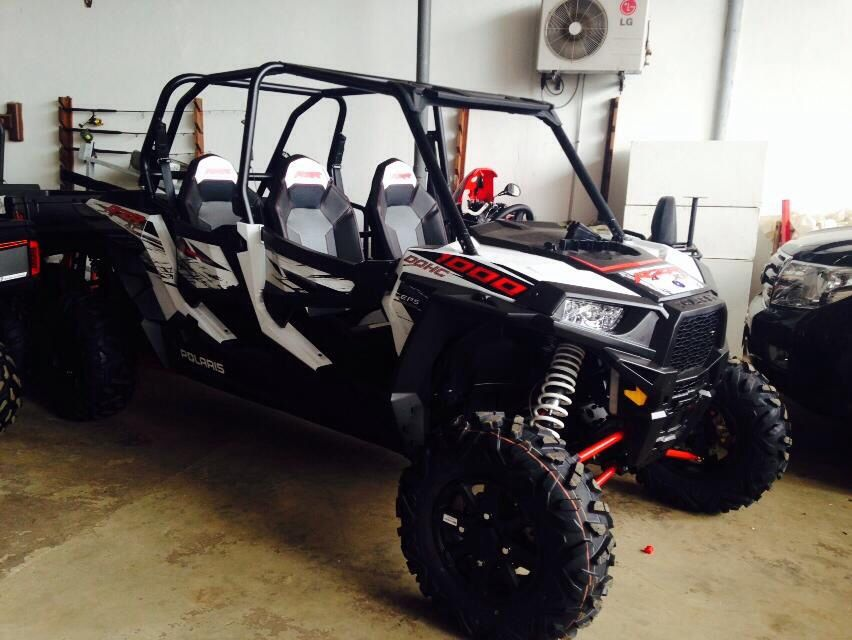 buggy polaris rzr 1000 4place blanc buggy quad moto jet ski pinterest rzr 1000 engine and. Black Bedroom Furniture Sets. Home Design Ideas