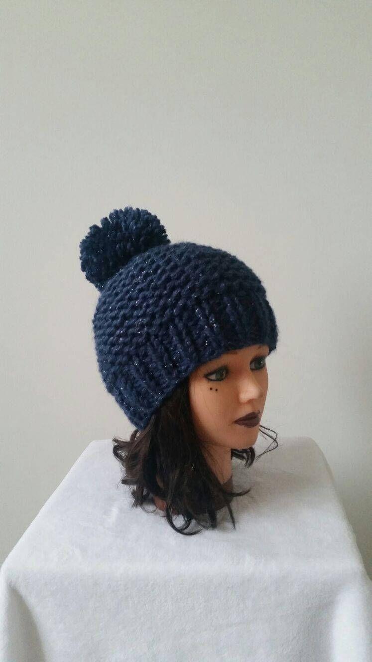 Bonnet femme, ado fille en laine tricoté main – vêtements dhiver – chapeau – gros pompon – Handmade knitwear – beanie