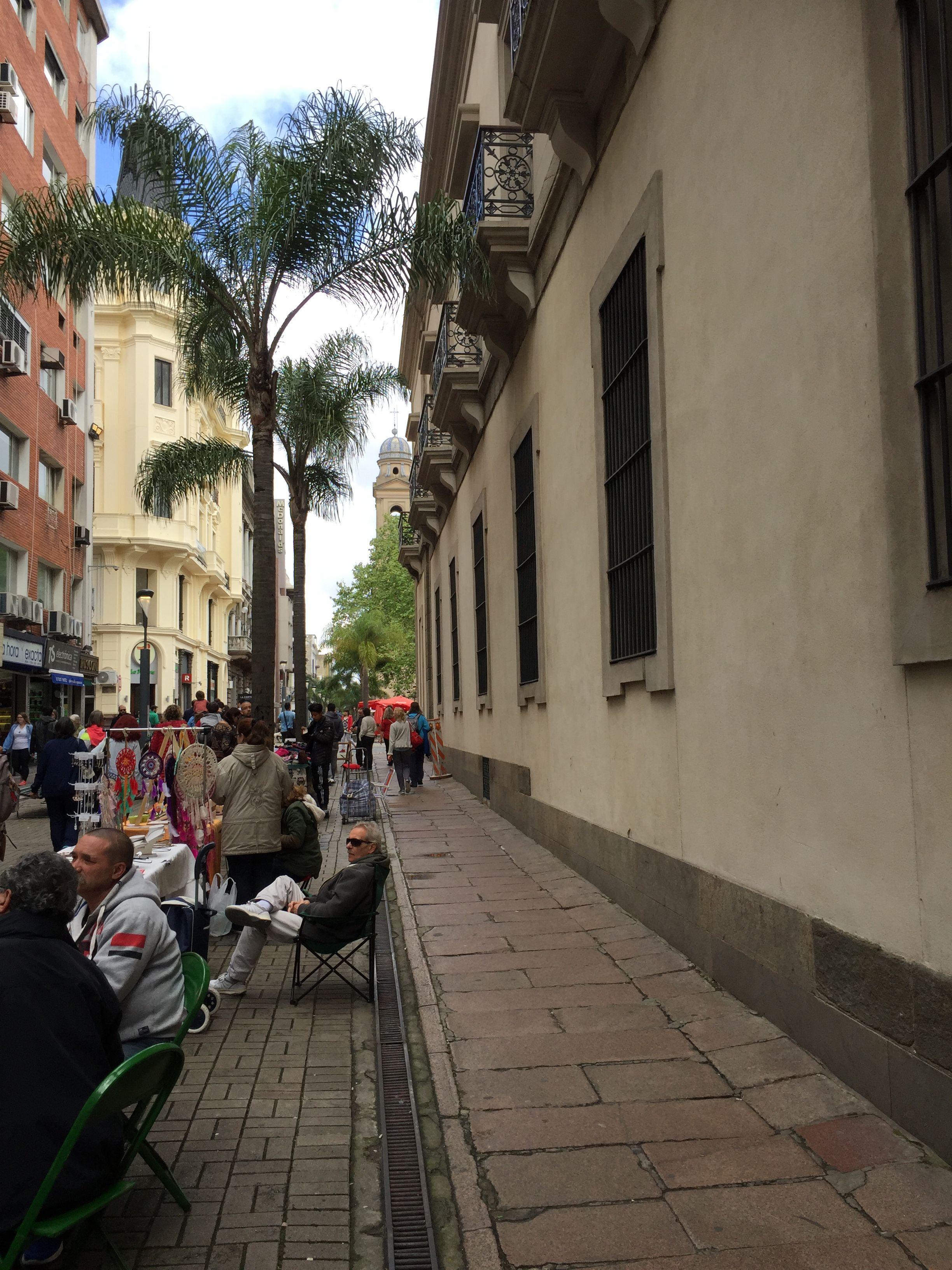 Calle Sarandi - Ciudad Vieja (con imágenes)   Uruguay, Ciudades