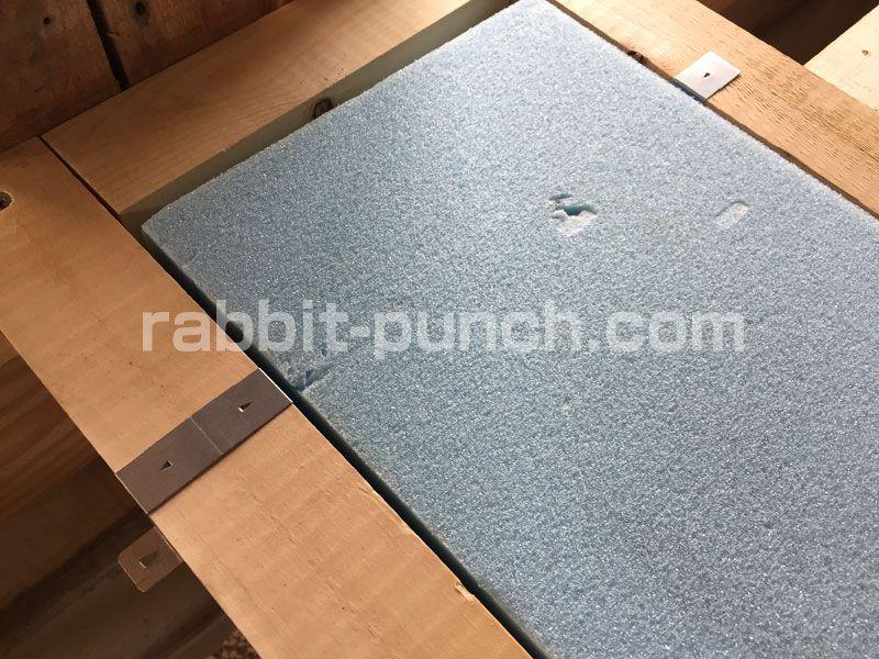 床断熱材をdiyで施工 湿気に強いスタイロフォームで底冷え対策 断熱