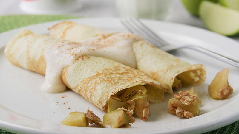 Apple Crisp Crepes #vanillayogurt