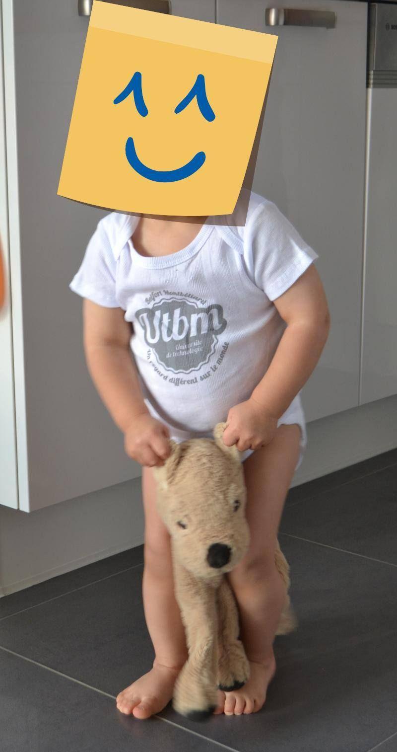 Tout le monde s'affiche UTBM, même mes plus petits Une série spéciale de vêtements existe, celle des 3 > 12 mois, merci à notre petit mannequin
