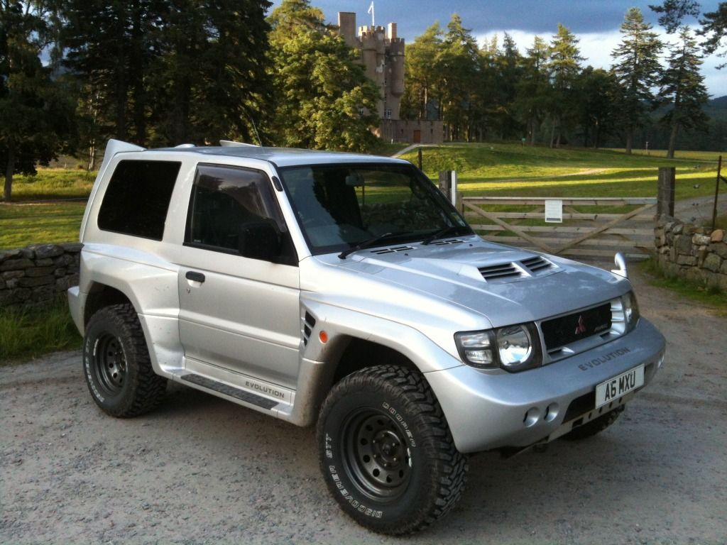 1997 mitsubishi pajero evolution with a 3 5 litre 24 valve dohc v6 4wd cars pinterest. Black Bedroom Furniture Sets. Home Design Ideas