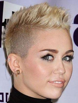 Blonde Short Hair Photo Gallery 107 Jpg 319 422 Short Hair Styles Hair Photo Short Hair Styles Pixie