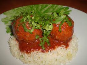 Recetas de cocina Albondigas en chile pasilla  comida