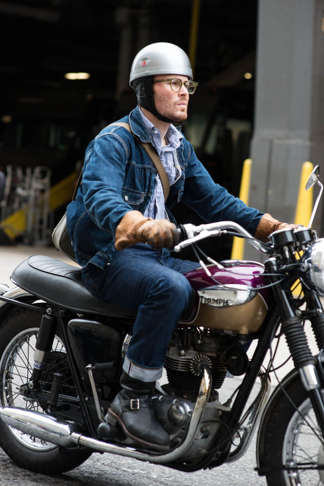 Motorcycle gloves nyc - Nyc Street Style Motorcycle Gloves Jean Jacket Americana Triumph Motorcycles Man