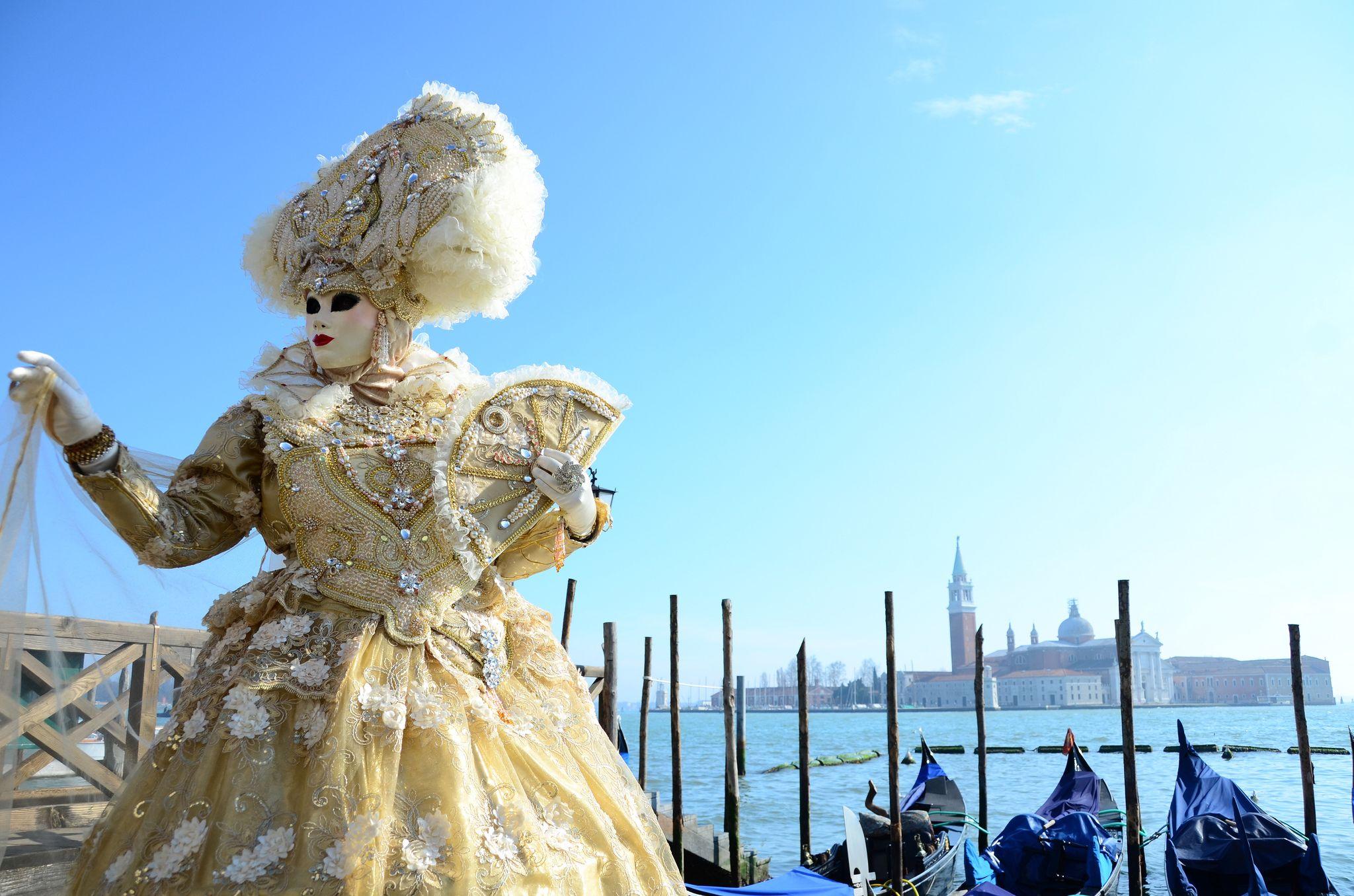 https://flic.kr/p/kAwqRk   Venice Carnival 2014 - Carnevale di Venezia 2014   Giovedì e Venerdì grasso al Carnevale di Venezia