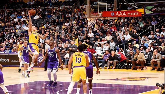ليكرز يكتسح كينجز بدوري السلة الأمريكي حقق فريق لوس انجلوس ليكرز فوزا كبيرا على مضيفه ساكرامنتو كينجز بنتيجة 10 Lakers Vs Sacramento Kings Los Angeles Lakers