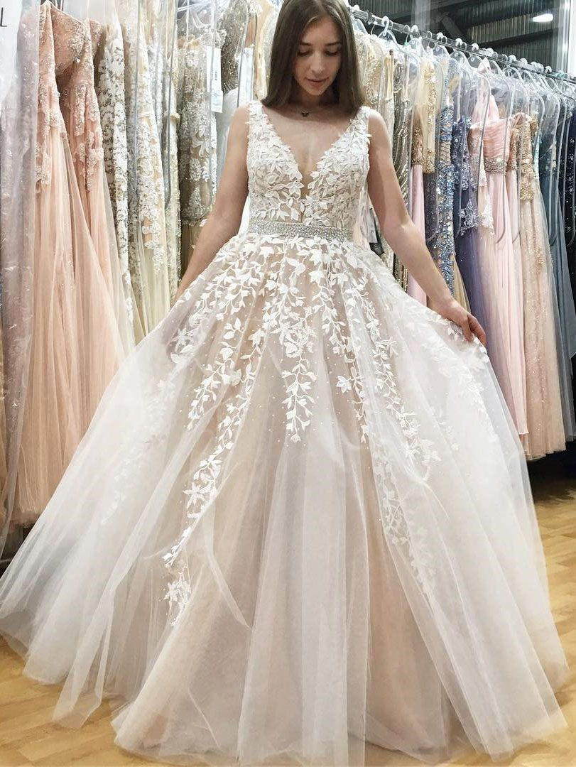 aa907021e1d Classic A-Line V-neck Long White Lace Appliques Prom Dress