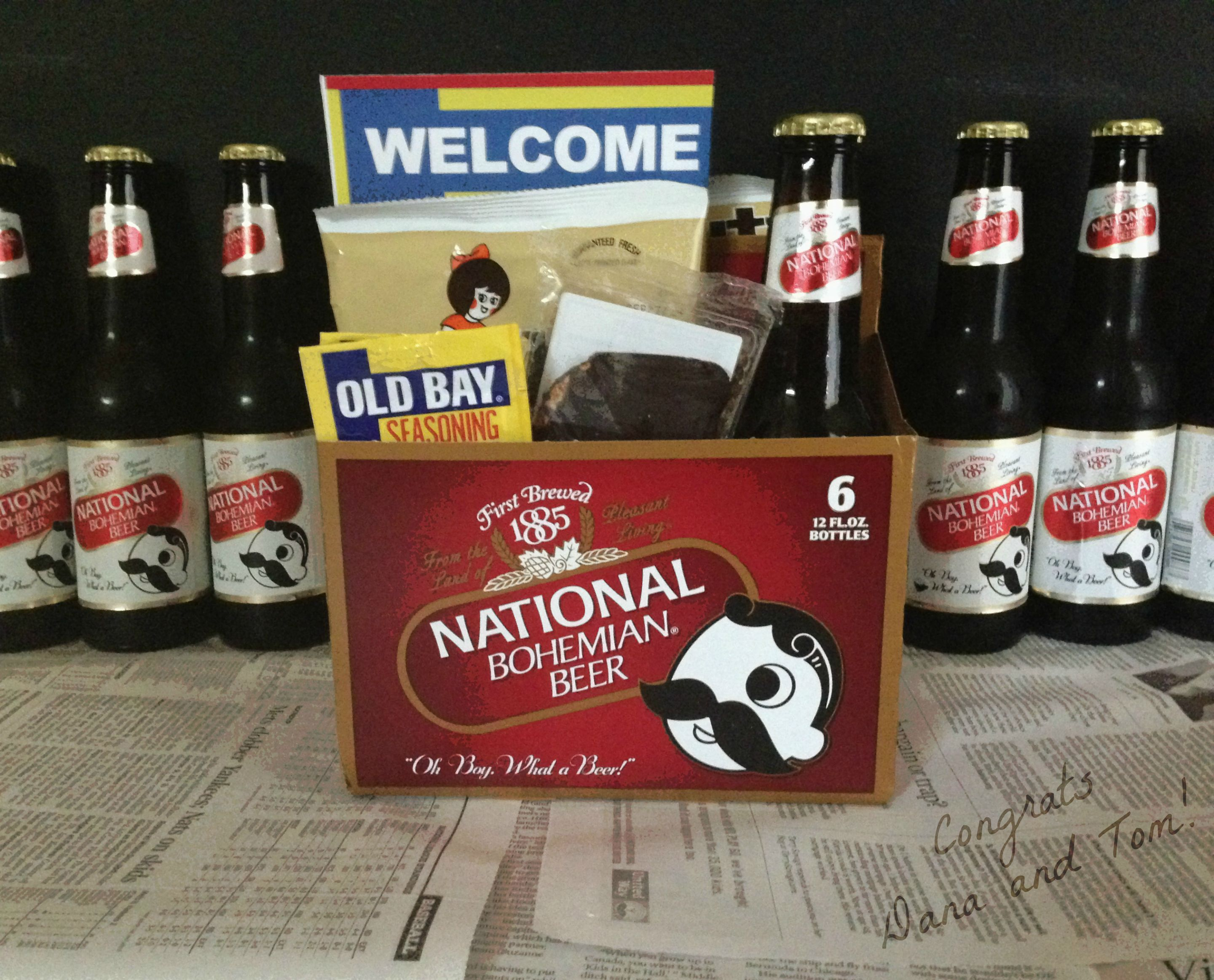 Dana and Tom's Baltimore themed wedding favors were so awesome! What a great use of a Natty-Boh 6pack - Great wedding welcome bag! www.periwinklepig.com