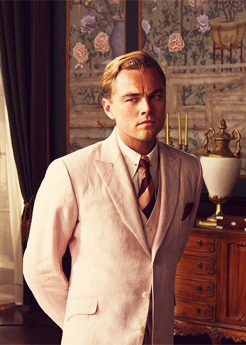nick carraway and jay gatsby Jay gatsby is one of the most well known men in west egg he throws ravishing parties that last all weekend long and has a mansion that everyone in town admires.