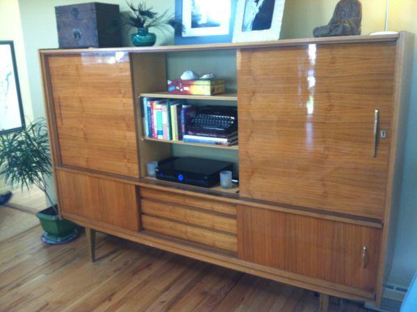 Large Danish cabinet / wall unit - $750 in Krisana Park ...