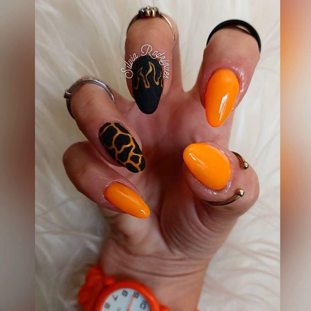 ♡. ❥ ƒσℓℓσω мє @nailsbysilviarodrigues 🌺 #nailstyle #nailsdid #orange #orangenails #neon #neonnails #neonorange #fire #firenails #lava…