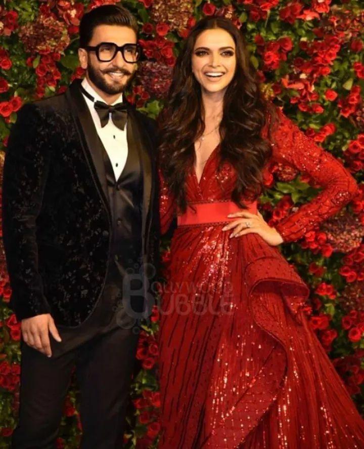Pin by Naveed Babar on Bollyeood couple in 2019   Deepika ...