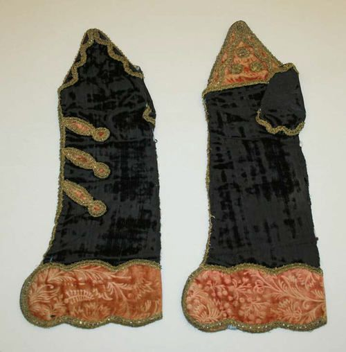 18th century mitts