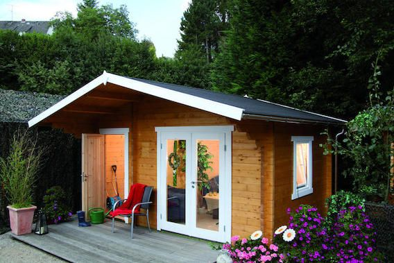 Schones Gartenhaus Mit Grosserem Vordach Gartenhauser House Shed