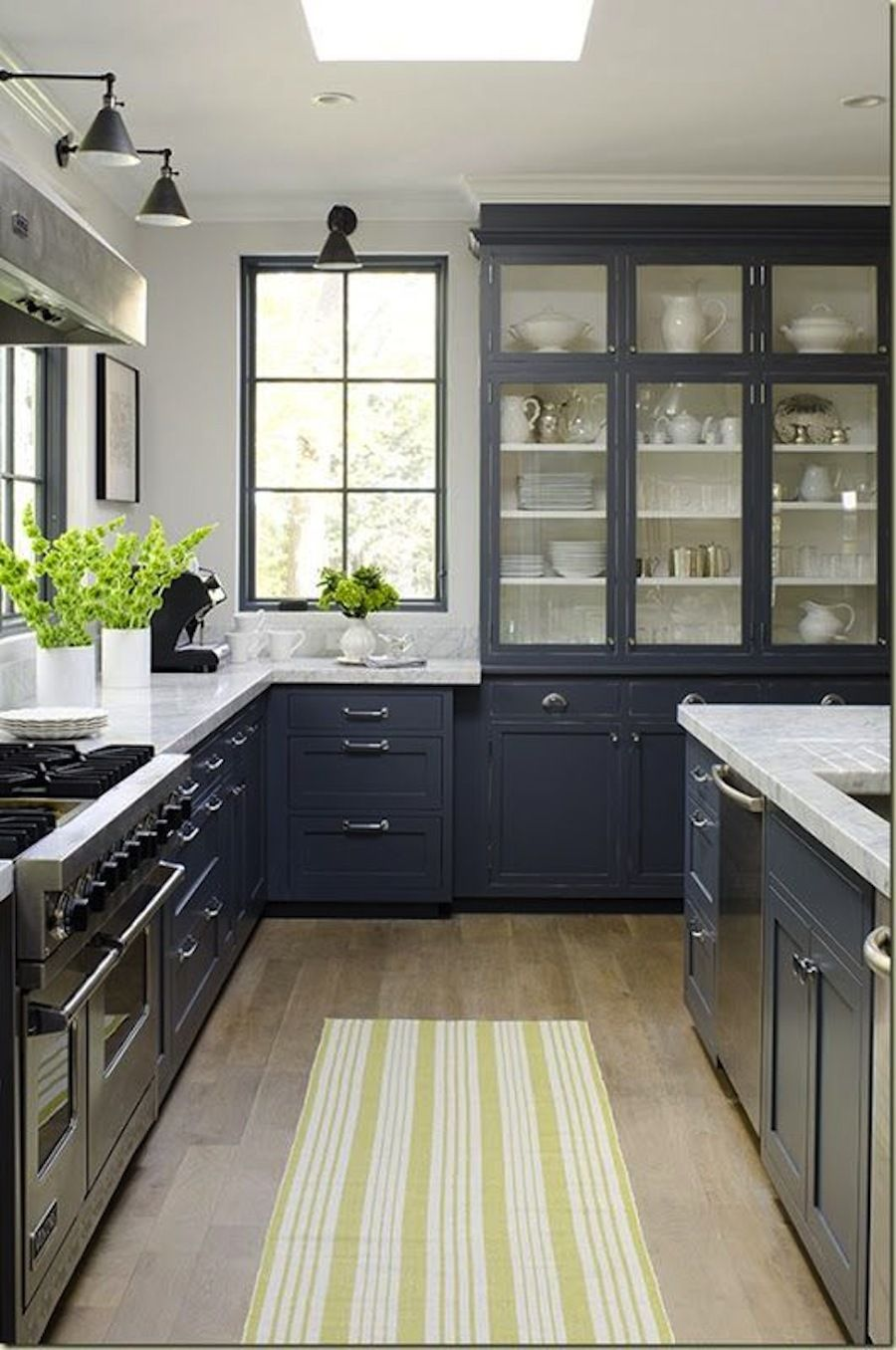 15 Stunning Gray Kitchens In 2020 Home Kitchens Kitchen Design