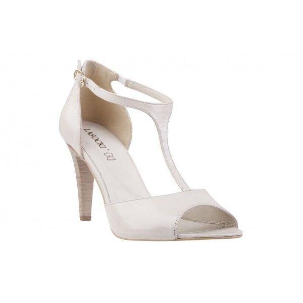 Pin By Polki Pl On Slubne Stylizacje Heels Fashion Peep Toe