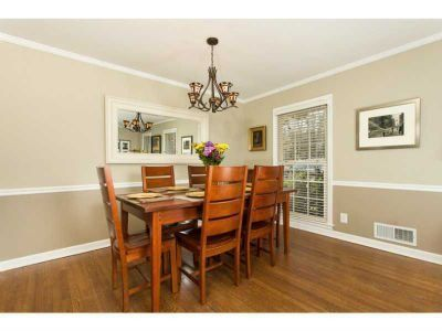 ~Love The Two Tone Ideal With Crown Molding~