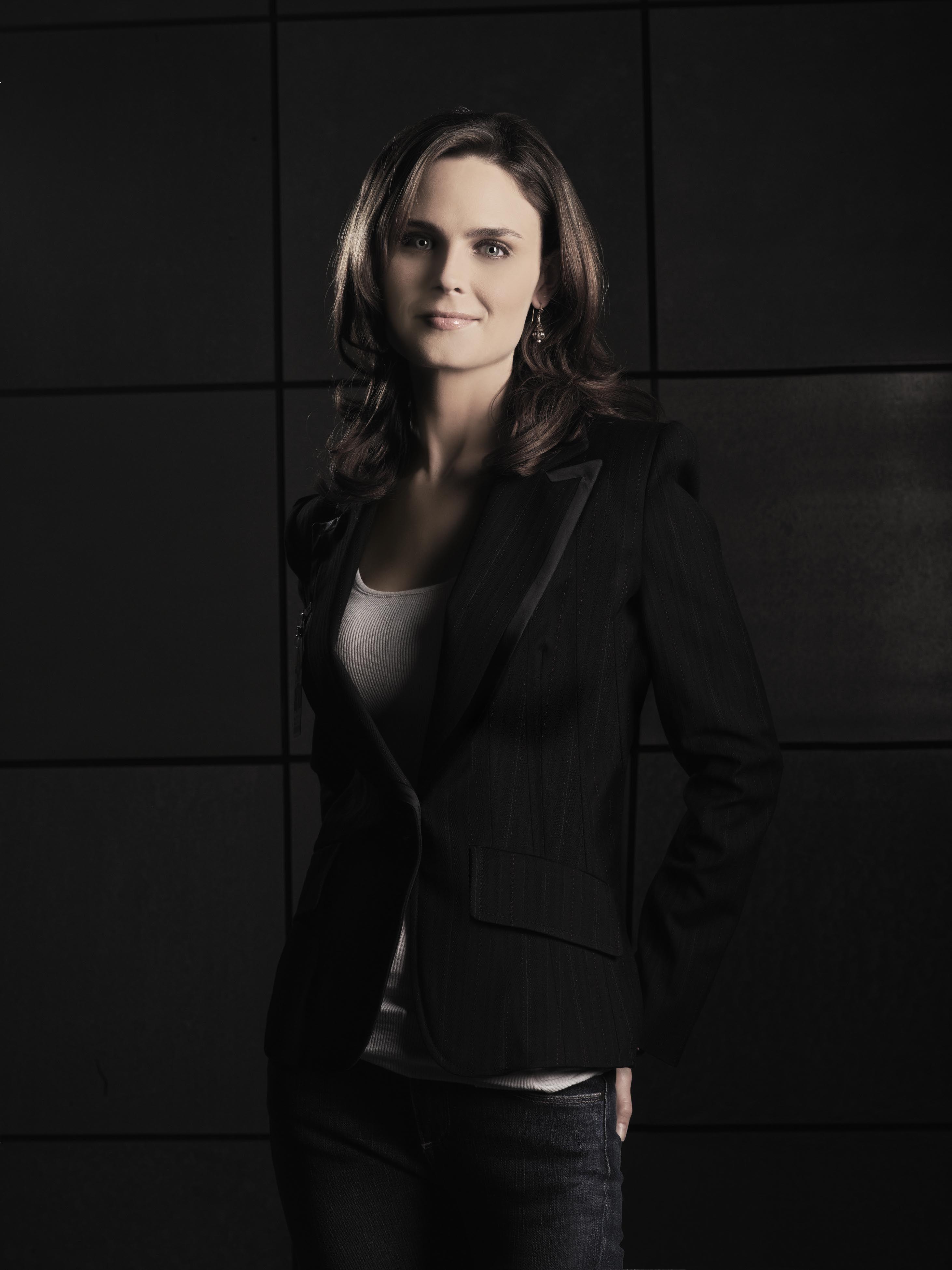 Bones S2 Emily Deschanel as