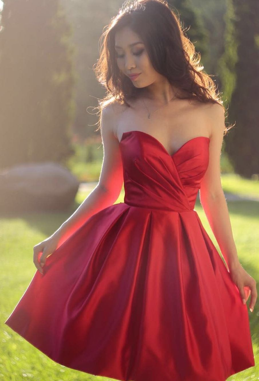 Simple red short homecoming dresses sweetheart neck puffy cocktail