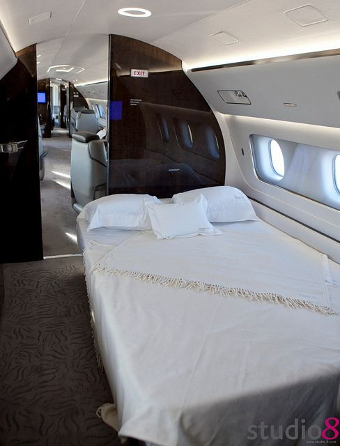 Everyones Private Jet Flightpooling Bed
