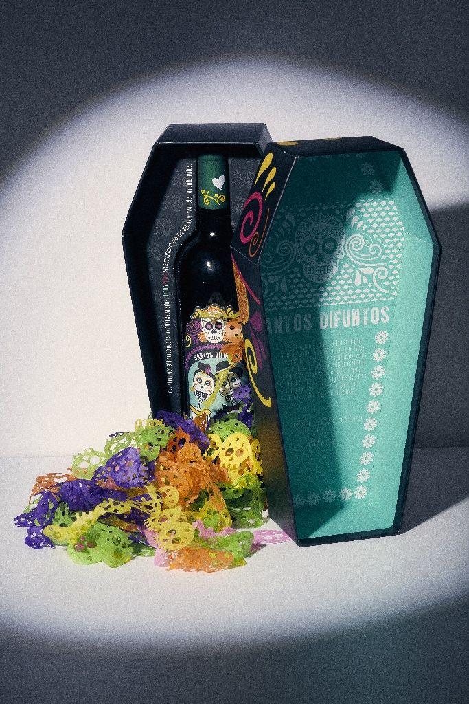 Una bebida mágica que despierta el alma e inspira la bondad de las personas, compramos un recuerdo, un sueño, un anhelo. www.bodegaebz.mx
