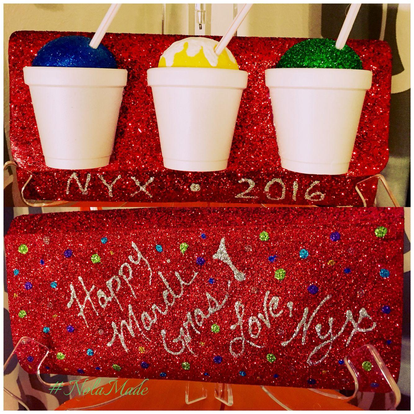 Mystic Krewe Of Nyx My Nyx Purse Creation 2016 Nolamade Float30 Nyxpursetracker Mardi Gras Crafts Purse Decorations Themed Crafts