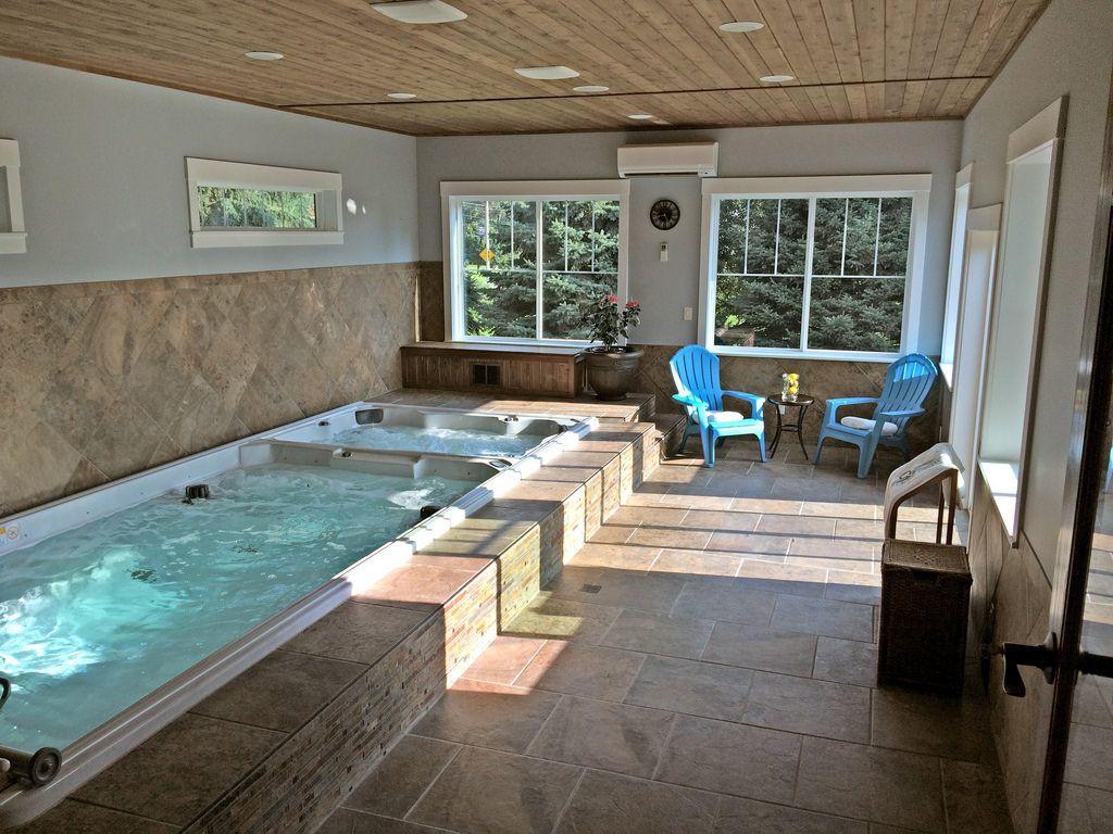 Endless pools 19 39 dual temperature swim spa piscinas for Swim spa in garage