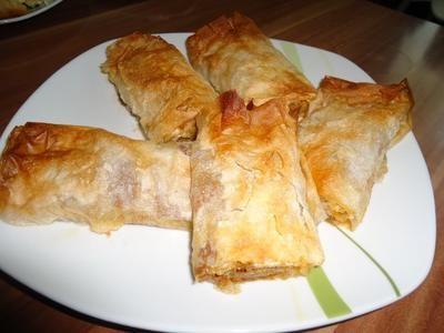 Serbische Pita mit Hackfleisch ( hier auch Börek genannt )