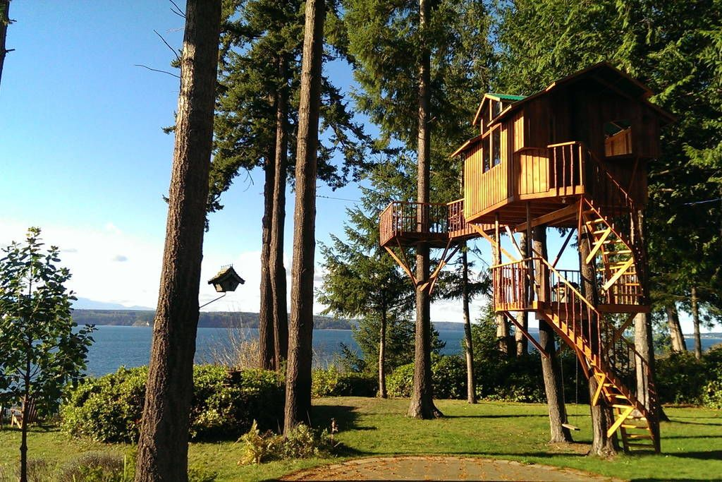 Treehouse in Kingston, United States. Spend a night 20