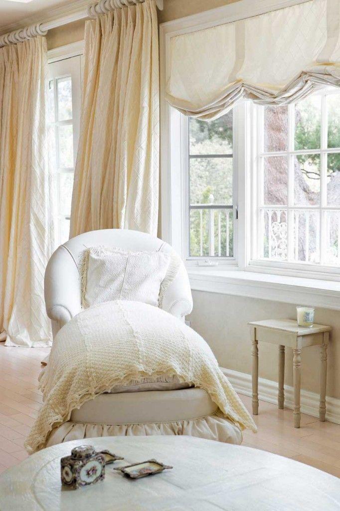 Romantic Homes Decorating: White Romantic Bedroom Design And Decorating Ideas