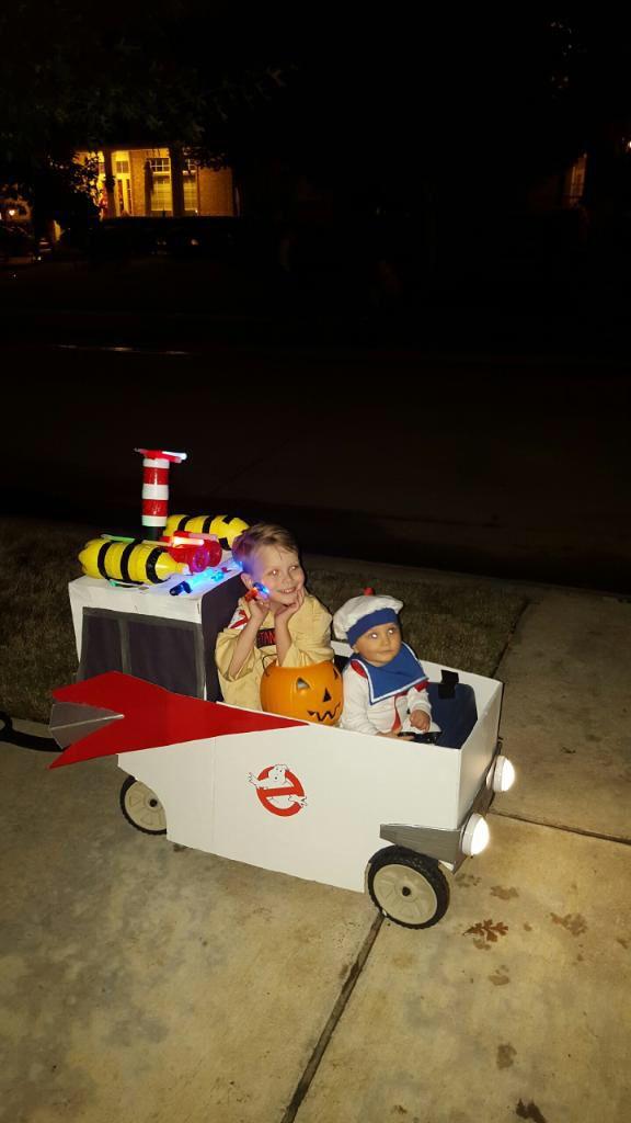 Ecto 1 Wagon Family Halloween Costumes Family Halloween Costumes