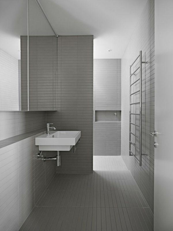 Großes Modernes Haus Architektur Badezimmer Fliesen Grau Minimalistisch  (600×800)