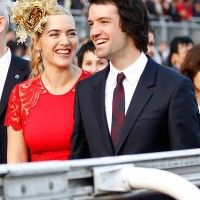 We have just heard that Kate Winslet has just got married to Ned Rocknoll, who is the nephew of Sir Richard Branson. Kate and Ned had a secret ceremony in New