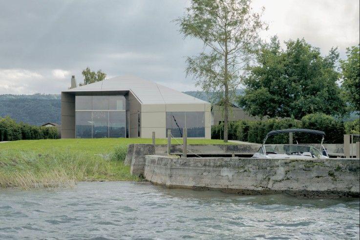 Das Grundstück verfügt über einen privaten Hafen mit Anlegestelle   Biehler Weith Associated ©Brigida Gonzalez, Stuttgart