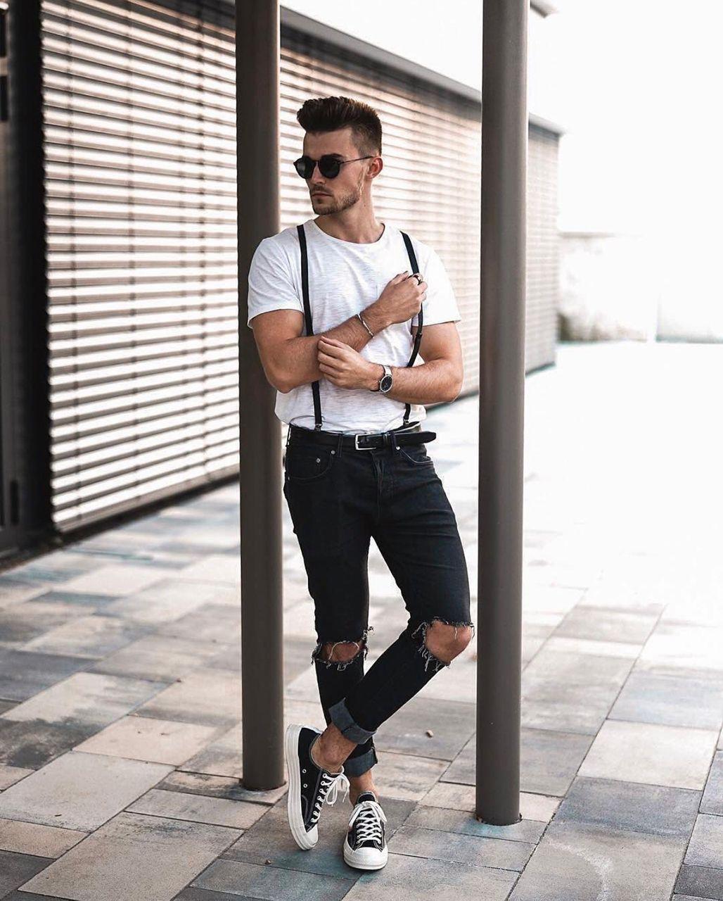 Look masculino retrô anos 50 com camiseta por dentro da calça. Vejam as  outras tendências de moda masculina dos últimos 100 anos no blog Marco da  Moda ... 76627128c3