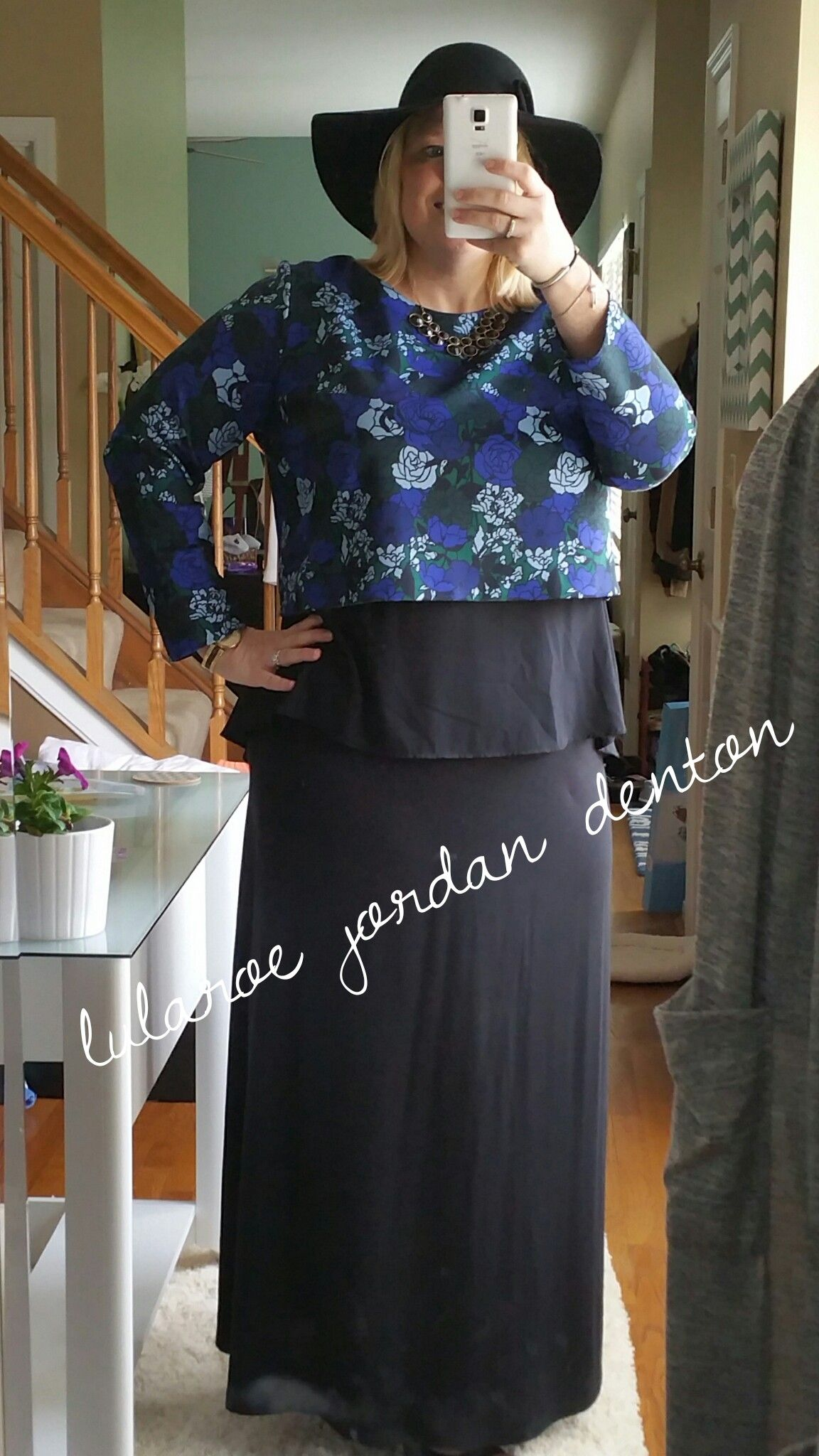 Loving this layered look black maxi black perfect t and a