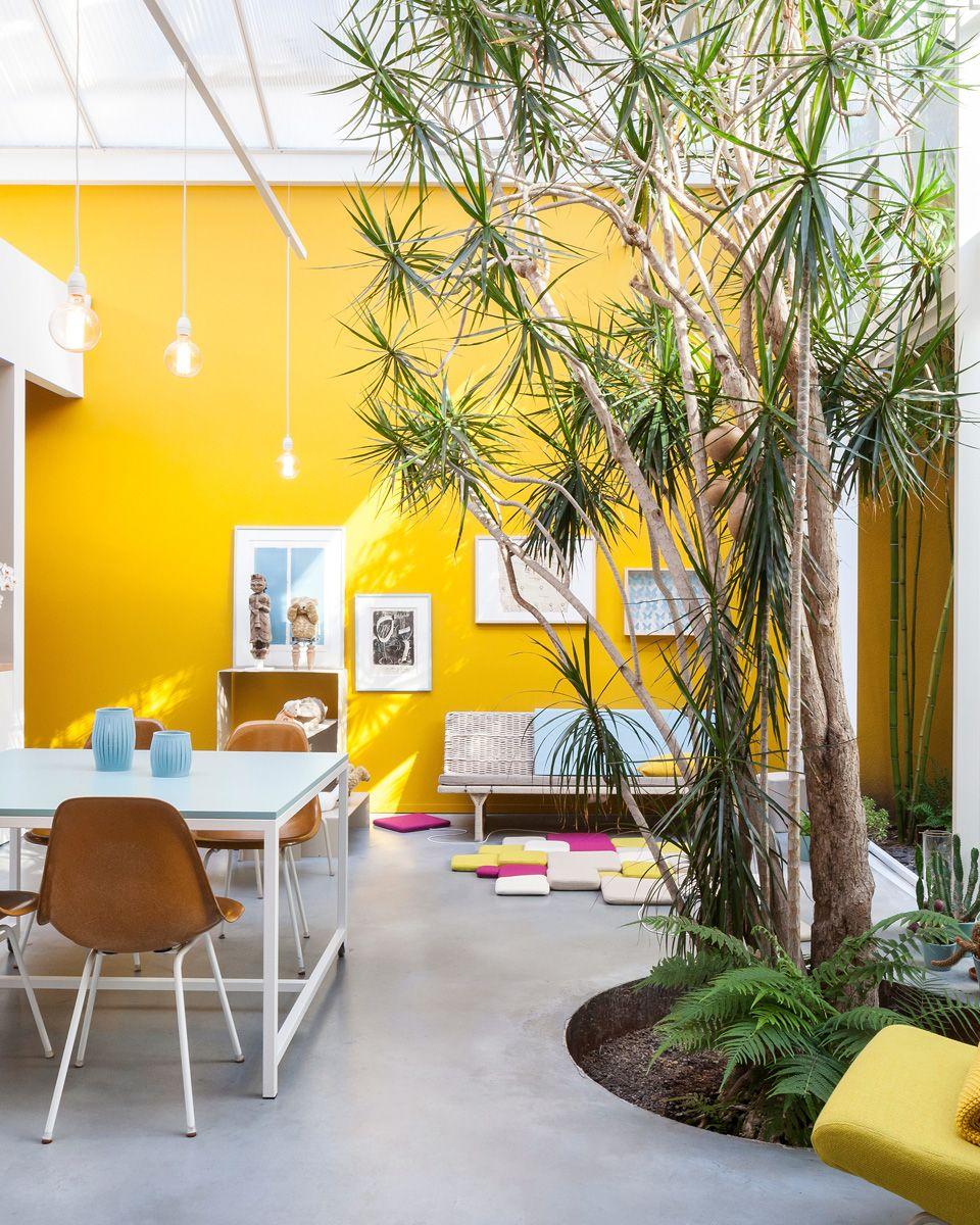 Une Deco Industrielle En Jaune My Blog Deco Murs Jaunes Deco Salon Deco Jaune