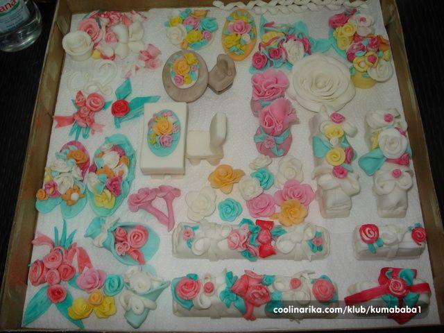 najaktuelnije torte za fondan | Od fondan mase su izrađeni ovi cvijetići i…