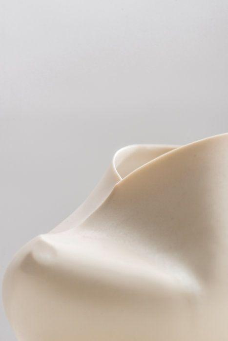 White Spine-Camber Vessel