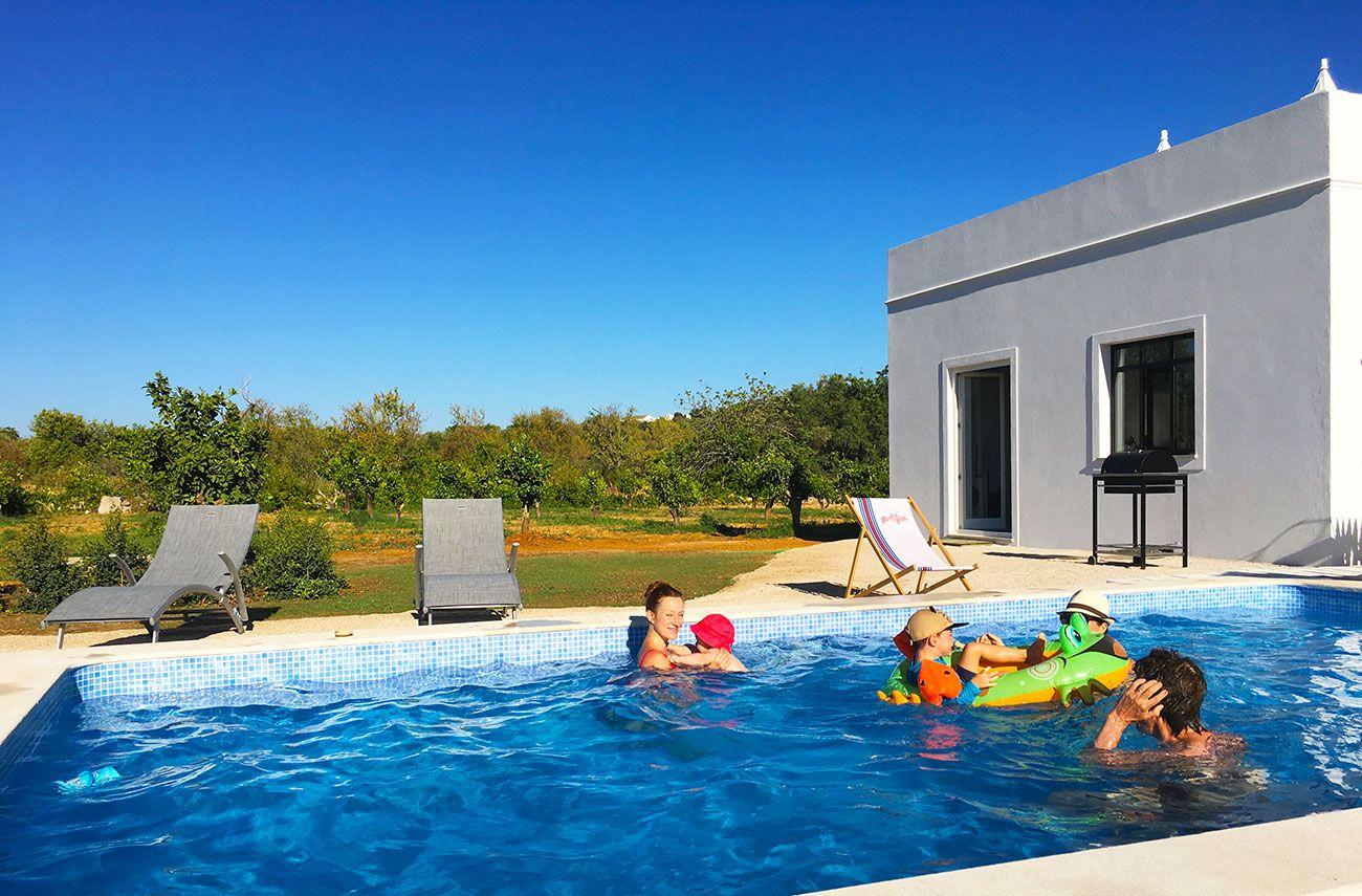 A Swimming Pool In The Old Tank Piscine Villa A Louer Belle Villa