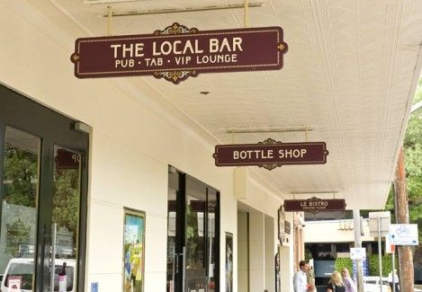 union-hotel-pub-sign-4.jpg