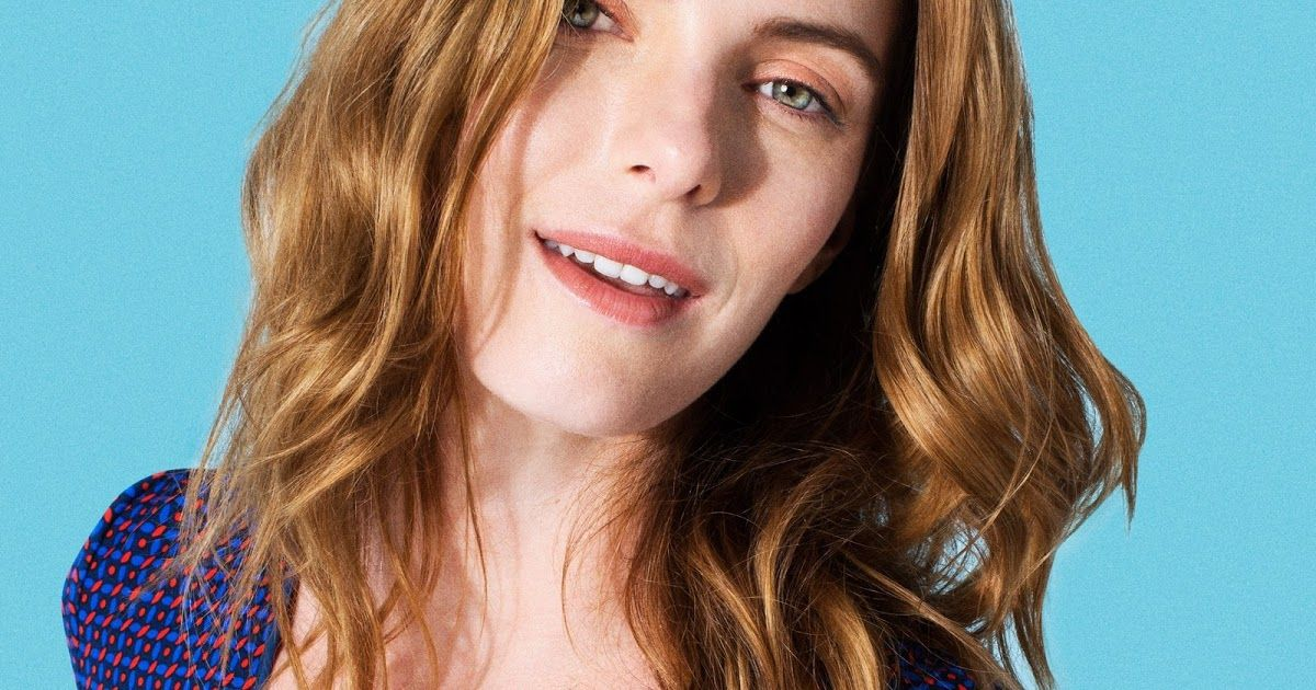 Betty Gilpin She Has Been Married To Cosmo Pfeil Since August 6