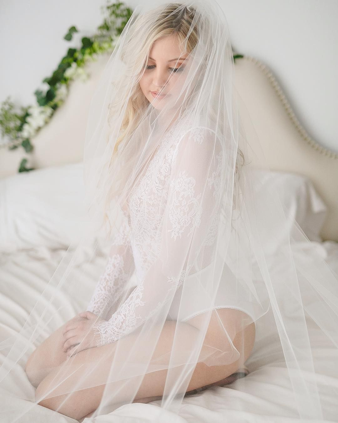 tbt to this dreamy bridal boudoir shoot! Someone asked me