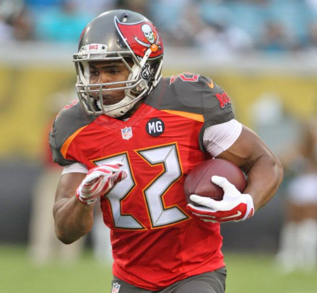 Doug Martin 22 Tampa Bay Buccaneers Rb College Boise State Buccaneers Buccaneers Football Tampa Bay Buccaneers Football Helmets